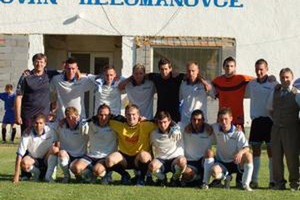 Helcmanovčania mali sezónu začínať v oblastnej súťaži. Nakoniec vyhrali piatoligovú súťaž.