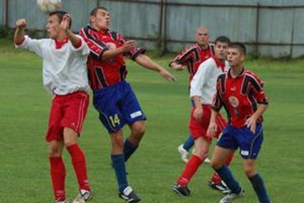Veľký zápas. Derby stretnutie Harichoviec so Smižanmi nezaostalo za očakávaním. Hral sa bojovný, napínavý a dramatický futbal.