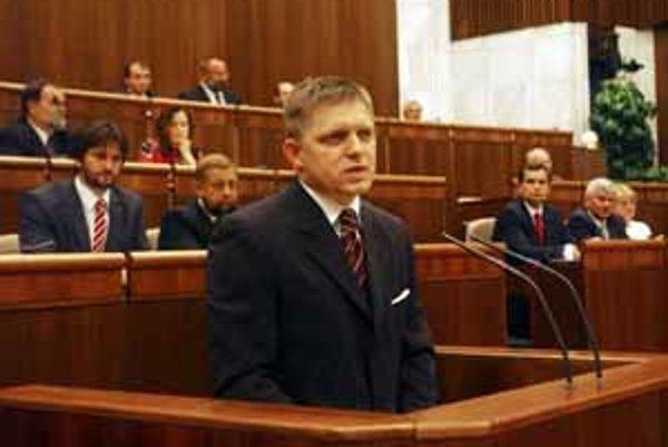 Fico kritizoval v parlamente médiá.