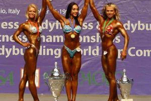 Na majstrovstvách sveta v bodyfitness získala Novovešťanka Monika Korbová striebornú medailu.
