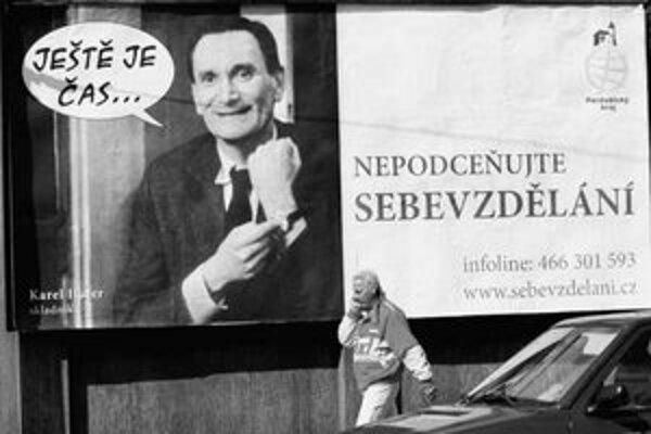 V priebehu vyše troch rokov klesol počet panelových reklám v Česku z necelých 27-tisíc na 20-tisíc.