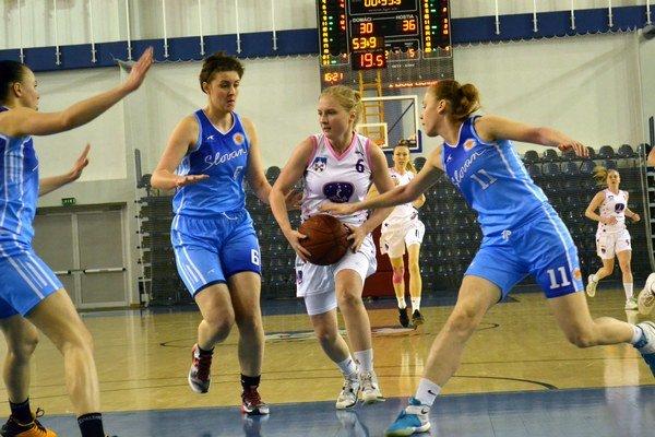 V sérii vedú 2:1. BAM Poprad vyhral na Slovane amá bližšie kzáchrane.