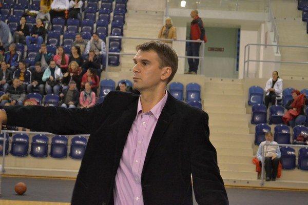 Igor Skočovski. Už nie je trénerom BAM Poprad.