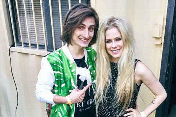 Filip Jančík a Avril Lavigne. Tvorbu huslistu pôvodom z Popradu Avril dobre poznala a pochválila.