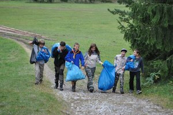 Zberači odpadu dokážu zaplniť odpadom aj takéto vrecia.