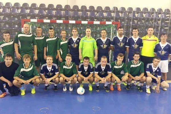 FC K_CORP Poprad. Juniorské zložky (v zelenom) nazrú do extraligy.