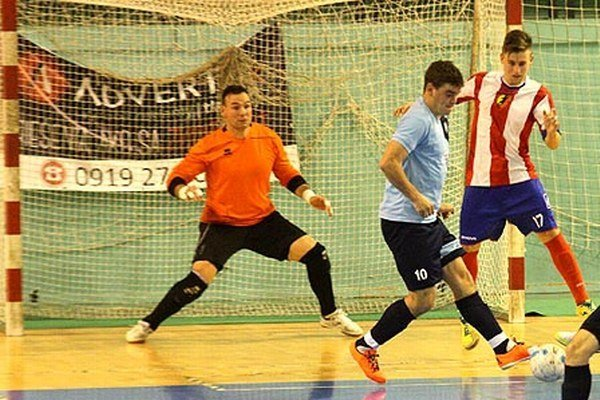 Dalibor Repa (v bráne) proti svojmu bývalému klubu potvrdil kvality.