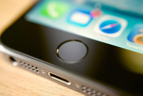 Smartfóny rozšírili používanie odtlačkov prstov namiesto hesiel.