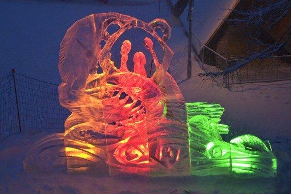 Ľadové sochy na Hrebienku prilákali tisíce zvedavcov.