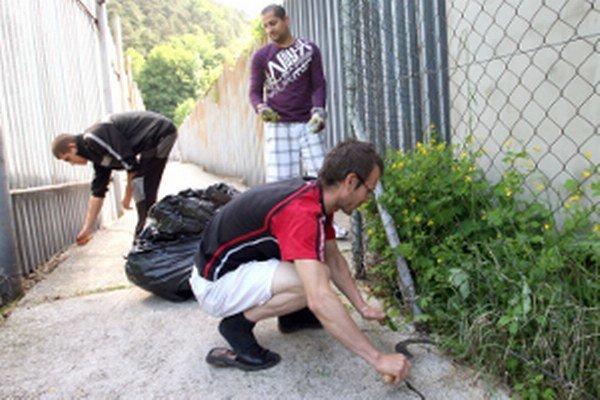 Poberateľom dávky v hmotnej núdzi prácu pripravia obce.