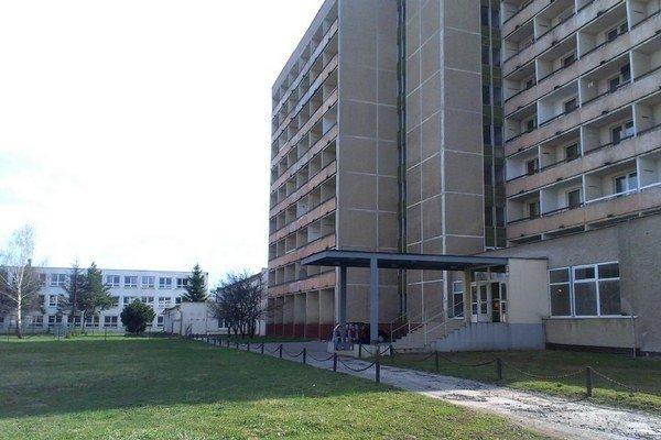 Ubytovňa Tatravagónky. V roku 2014 ju budú rekonštruovať.