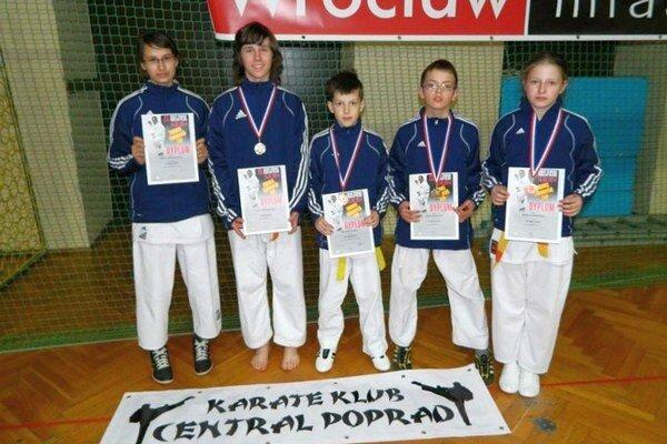 Funakoshi Cup 2014. Centralisti na ňom získali päť medailí.