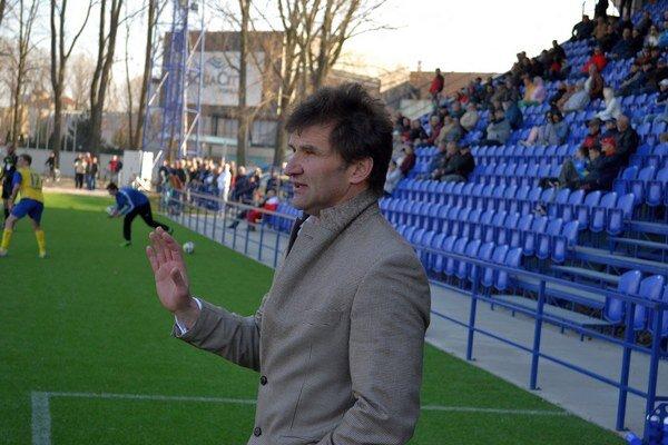 Tréner Vladimír Lajčák. Jeho zverenci už začali s letnou prípravou na novú sezónu.