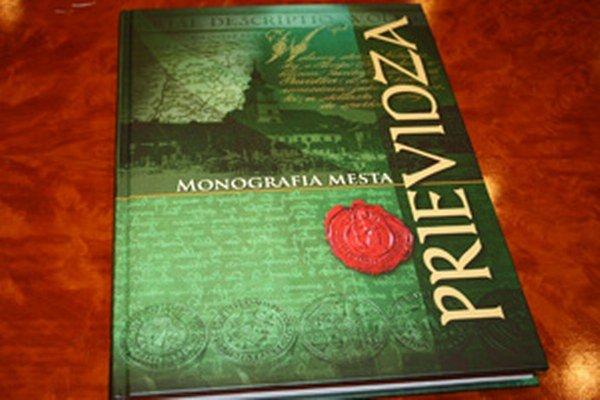 Kniha Prievidza monografia mesta vychádza na 272 stranách.