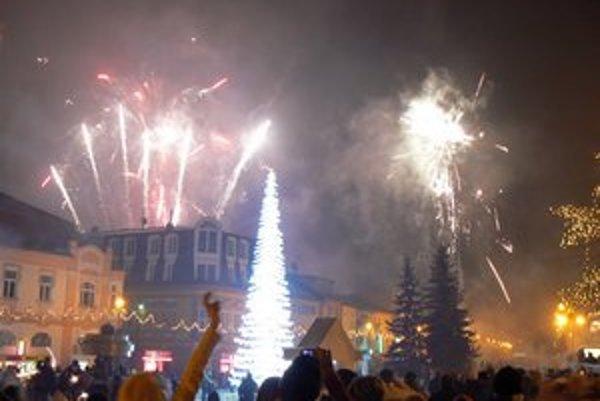 Silvestrovský ohňostroj. Takto vyzeral v Poprade pred pár rokmi.