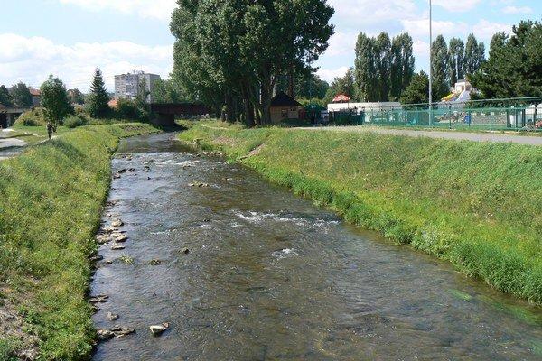 Telo našli v rieke Poprad.