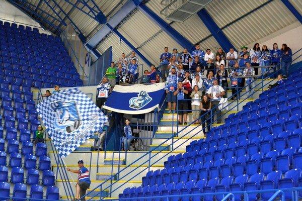 Fanklub HK Poprad. Je proti sťahovaniu klubu z mesta.
