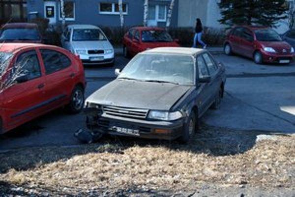 Dojazdilo? Takéto vozidlo nepatrí na parkovisko.
