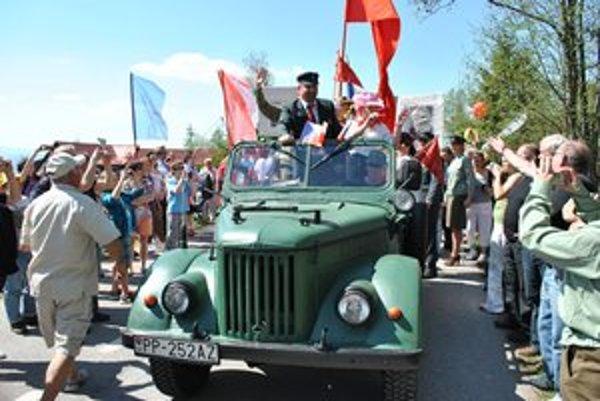 Na čele sprievodu bol Lenin. Autenticky ho zahral Juraj Martiček.