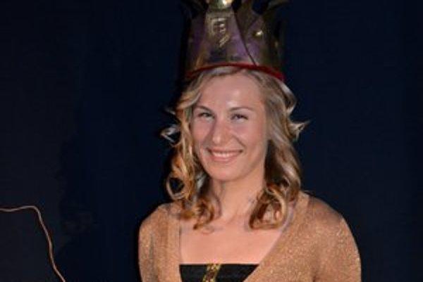 Kráľovná s korunkou. Kuzminová sa stala kráľovnou biatlonovej i bielej stopy.
