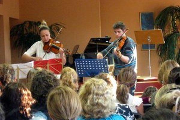 Študentský koncert zaplnil do posledného miesta koncertnú sálu ZUŠ.