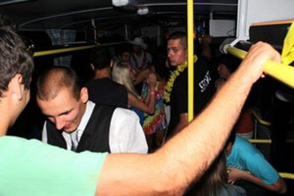 Najzábavnejšia párty. V pártybuse bolo horúco.