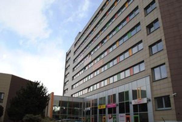 Odtiaľ úradoval HC LEV. Kancelárie boli na štvrtom poschodí, dnes sú takmer prázdne.