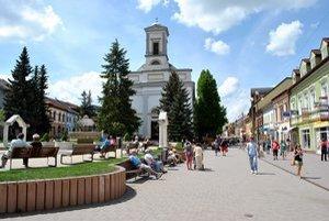 Námestie sv. Egídia. Pomenované je po patrónovi mesta Poprad.