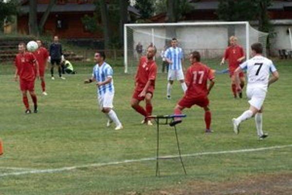 Domáce sklamanie. Kremničke Poprad nedokázal streliť gól.