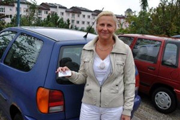 Elena Fajarková. Parkovné sa jej zdá stále vysoké.