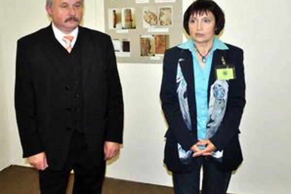 P. Roth a M. Bekessová. Sú odhodlaní po skončení výskumu sprístupniť hrobku v Poprade.
