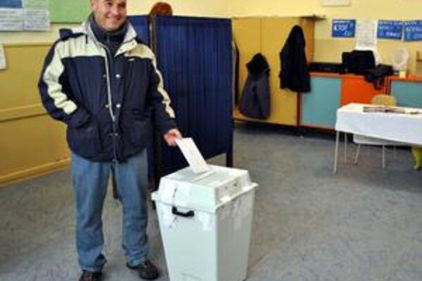 Primátora Dankovi, parlament Baranovi. Popradčania za primátora zvolili Antona Danka, parlamentnú väčšinu núkajú rivalovi Baranovi.
