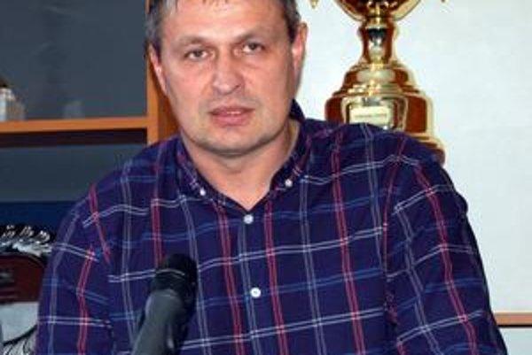 Tibor Turan, výkonný riaditeľ HK Poprad v týchto dňoch sledoval priebeh KHL v lotyšskej Rige.