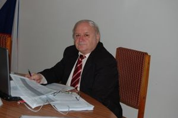 Rudolf Abrahám. Primátorovi Svitu bude mesačne na účte svietiť 3 060 eur.
