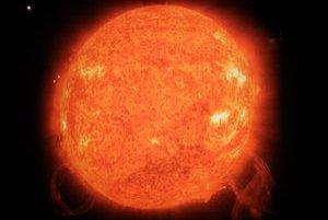 Takto vyzerá erupcia Slnka. Teplota je veľmi vysoká.