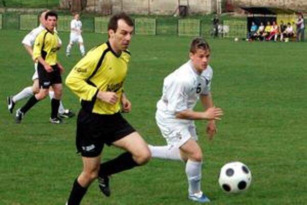 Derby pre hostí. Sp. Štvrtok doma prehral s Jánovcami (1:3).