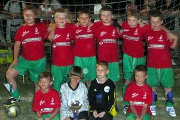 Úspech mladých futbalistov. Chlapci z FAM Poprad triumfovali.