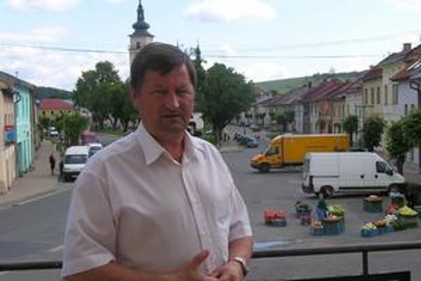 Primátor. Daniel Marhevka tvrdí, že mesto je v situácii bezradné.