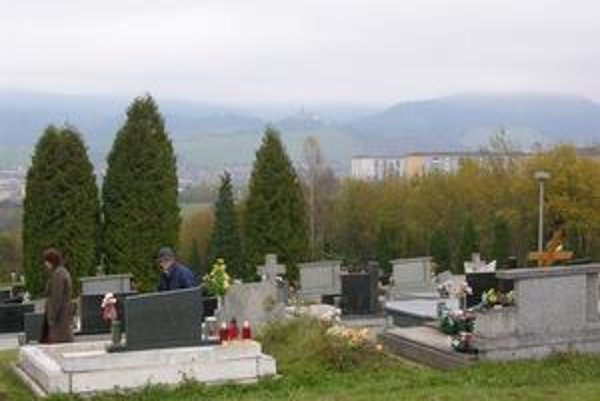 V Starej Ľubovni pochovávajú nebohých na troch miestach.