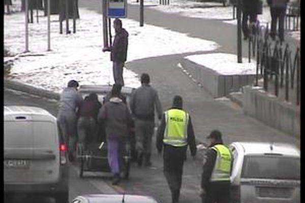 Doprava. Kombinované hliadky policajtov nedávno kontrolovali situáciu na cestách.