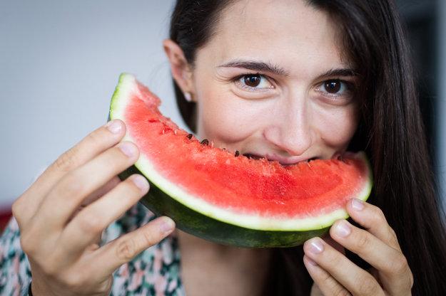 Dobrý melón dokáže počas horúcich letných dní osviežiť, pretože obsahuje až 92 percent vody.