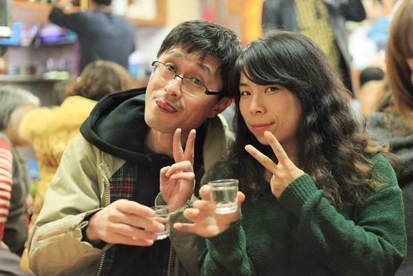 Partneri s podobnými alkoholickými návykmi sa vo vzťahu cítia spokojnejšie.