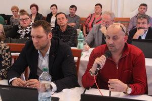 Viceprimátor Marek Holub je podpredsedom Klubu nezávislých poslancov. Na snímke s predsedom klubu Romanom Šírom.