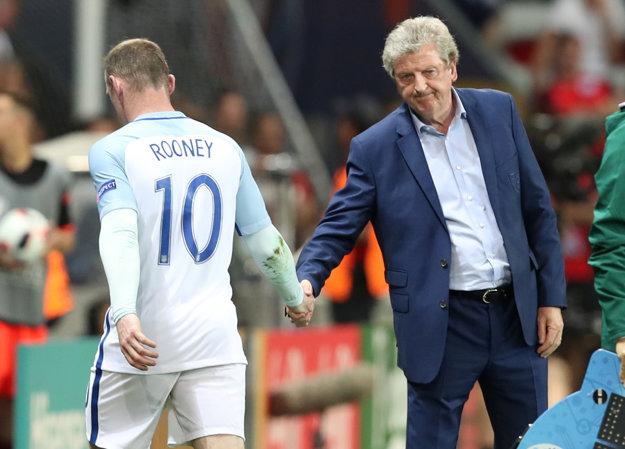 Hlavným trénerom Anglicka bol donedávna Roy Hodgson. Reprezentačnú lavičku opustil po prehre 1:2 s Islandom na EURO.