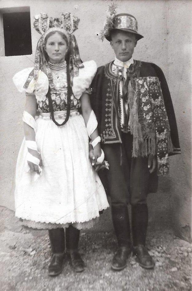 Mladý pár z Poník - rok 1939.