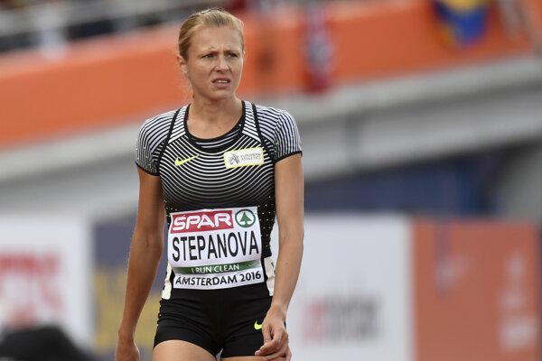 Julia Stepanovová.