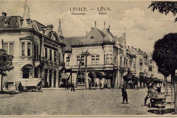 Jedna zo starých pohľadníc mesta, ktorú má Csaba Tolnai vo svojej zbierke.