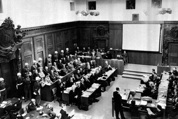 Norimberský proces sa vysporiadal so zločinami fašistov. Takáto bodka chýba za zločinmi komunistov.