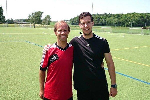 Z návštevy UEFA. Na fotke s kondičným trénerom UEFA z Portugalska.
