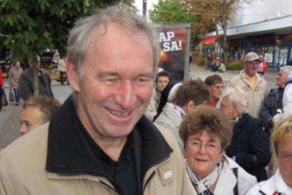 Róberta Bezáka vítal v centre Prievidze nadšený dav ľudí.